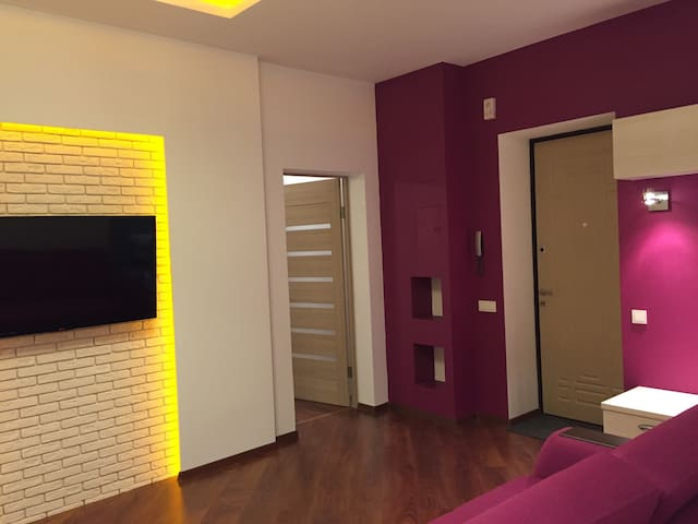 New apartment suite with Jacuzzi - Dnipropetrovs'k - Huoneisto