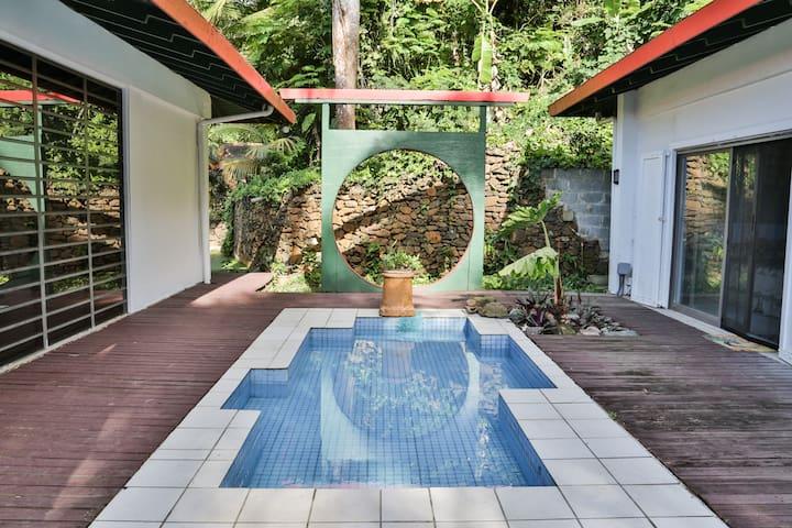 Shangri La VI: Yang Room - St. Thomas - Villa