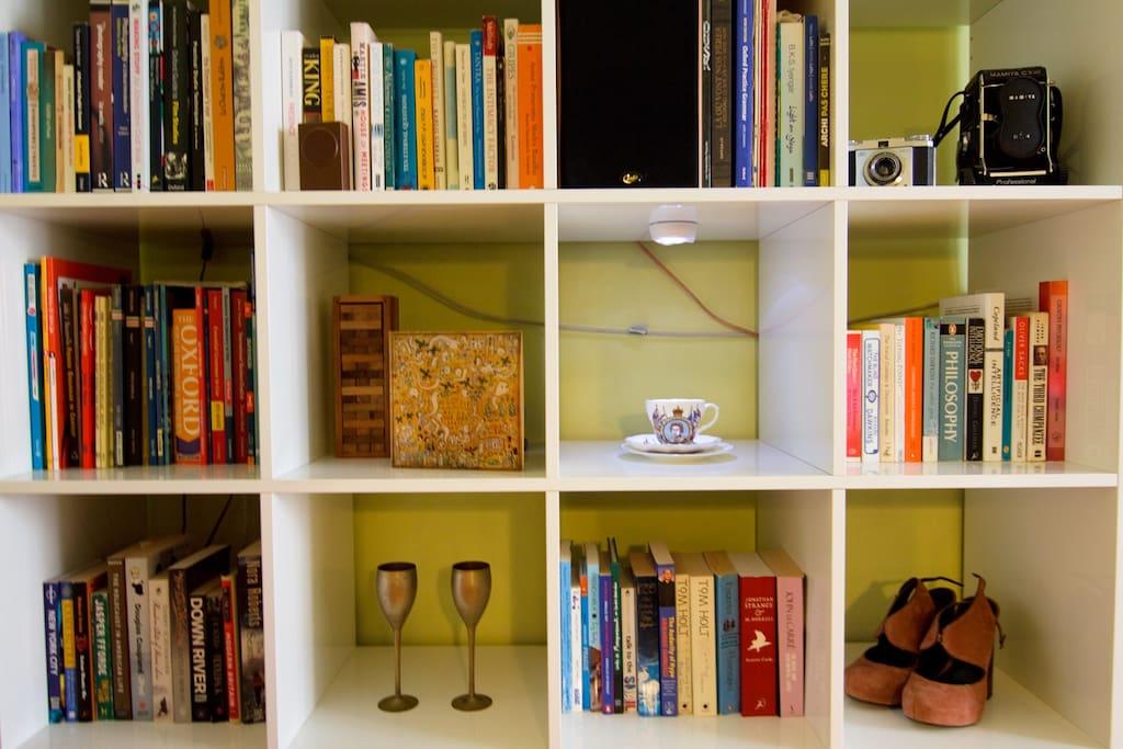 Study bedroom bookshelves