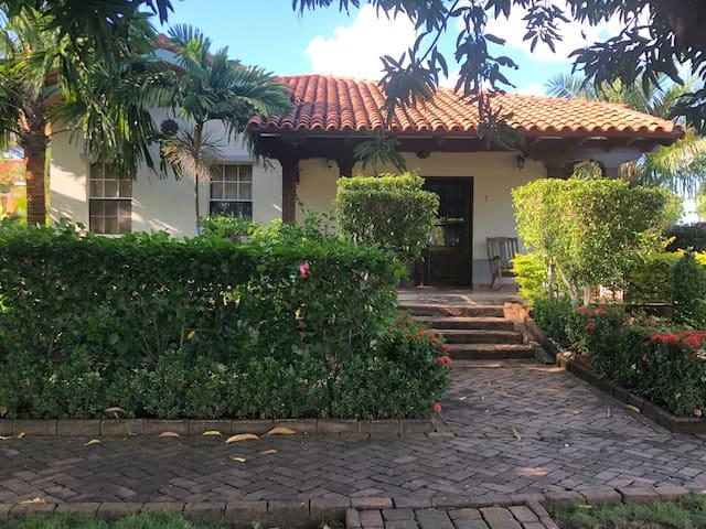 Casa Damian Gran Pacífica Resort