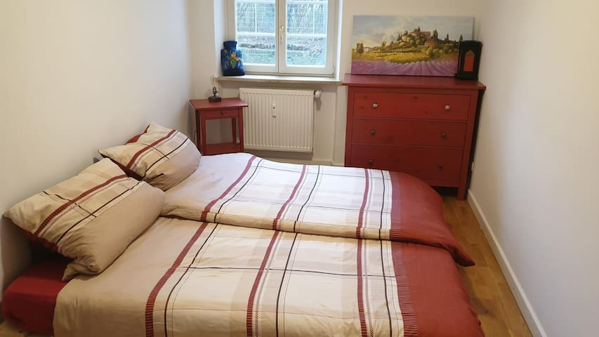*NEW* CHARMING ROOM *OLD TOWN*