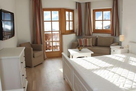 4 bedrooms, 3 bathrooms apartment - Kaprun - Apartment