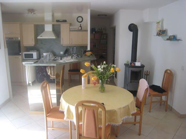 Appartement de 50 m2 dans villa au calme