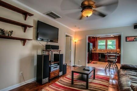 Extended Stay Apartment Near USNWC - Charlotte - Apartamento