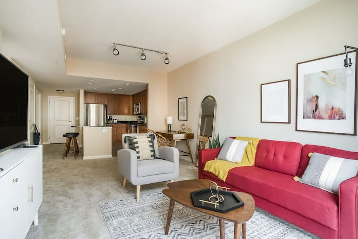 Pet Friendly 1BR in Alexandria w/ Gym and Pool