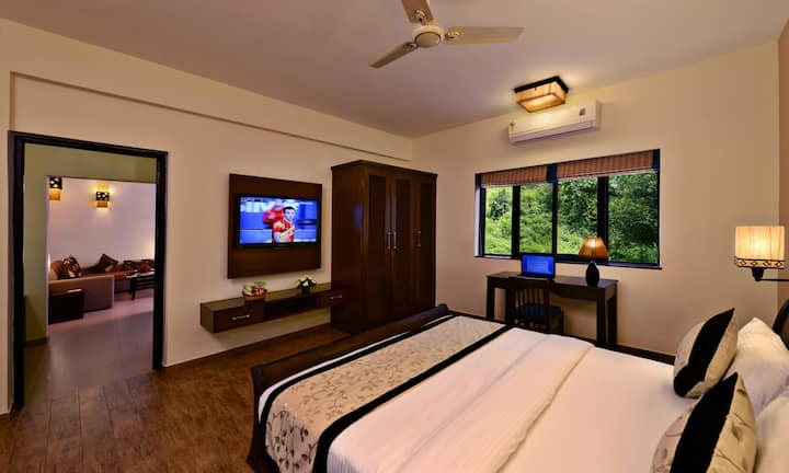 Luxury 1 BHK Suite in Boutique Hotel Arpora - Baga