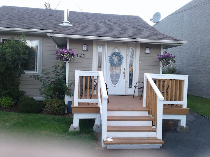 Cosy home close to beach in Parksville