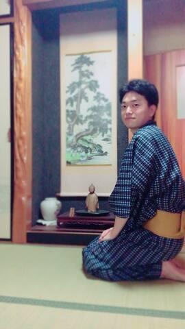 Room2 木頭的清香/日式傳統民居/房東會中文/可穿和服