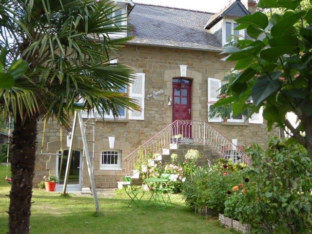 Studio soigné, calme, accès privé sur le jardin - Cancale - Apartment