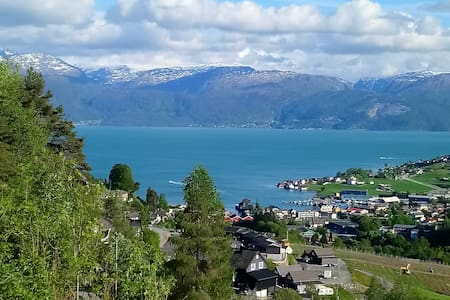 Apartment with a great view of the Hardangerfjord.