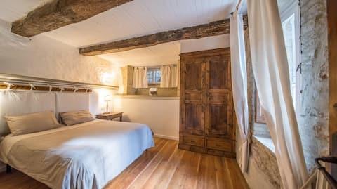 Rustic Farmhouse Apartment 1 double rooms