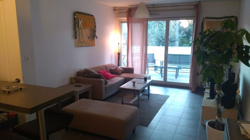 Apartment with terrace, 10min Beach/ 5min center