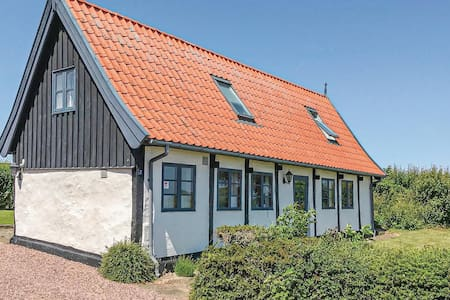 Holiday cottage with 2 bedrooms on 71m² in Nexø