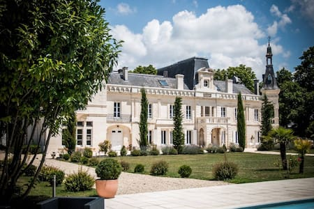 Elegant castle in Cognac France - Foussignac - Slot