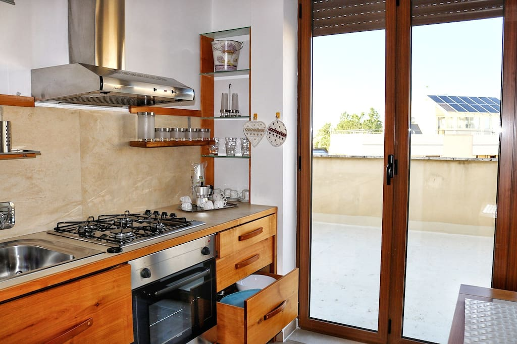 Fully equipped kitchen Cucina
