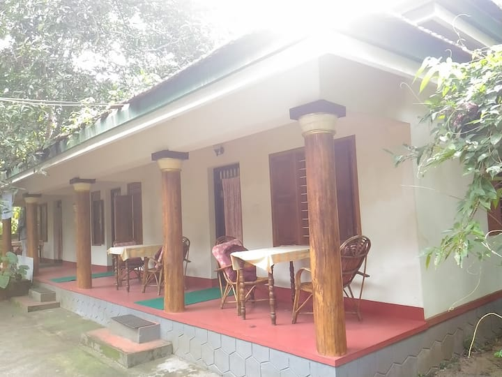 Double Bed Deluxe Cottage Near Vembanad Lake