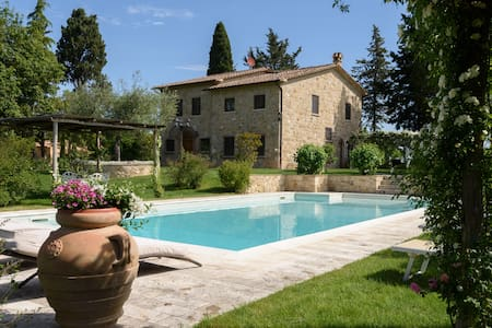 Tuscany Villa  with garden and Pool - Cetona