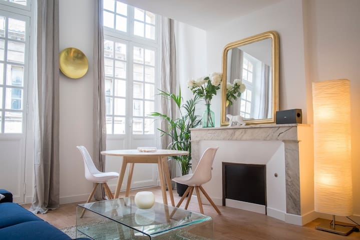 Lovely flat*** Ste Catherine street
