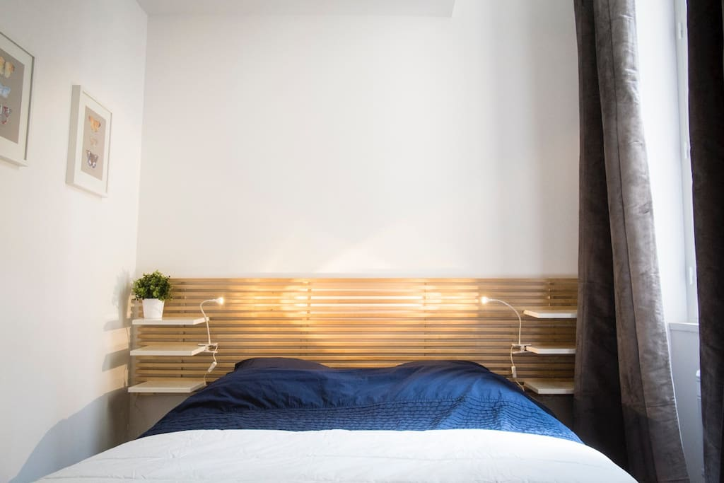Chambre avec lit double / Bedroom with double bed