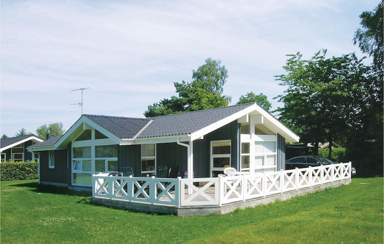 Holiday cottage with 3 bedrooms on 90m² in Hadsund