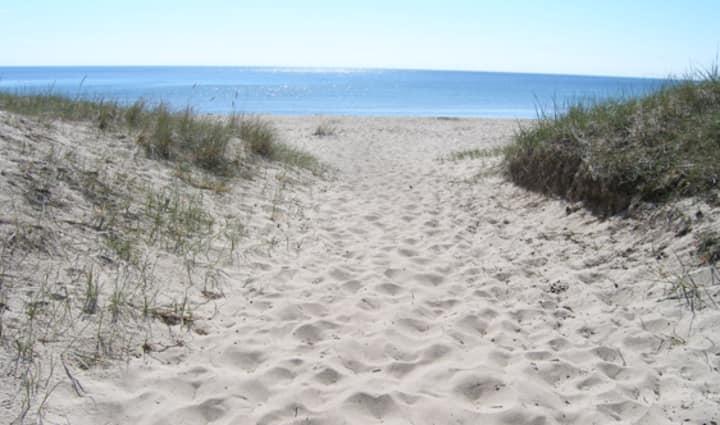In the center of Åsa, 2 min walk to the sea