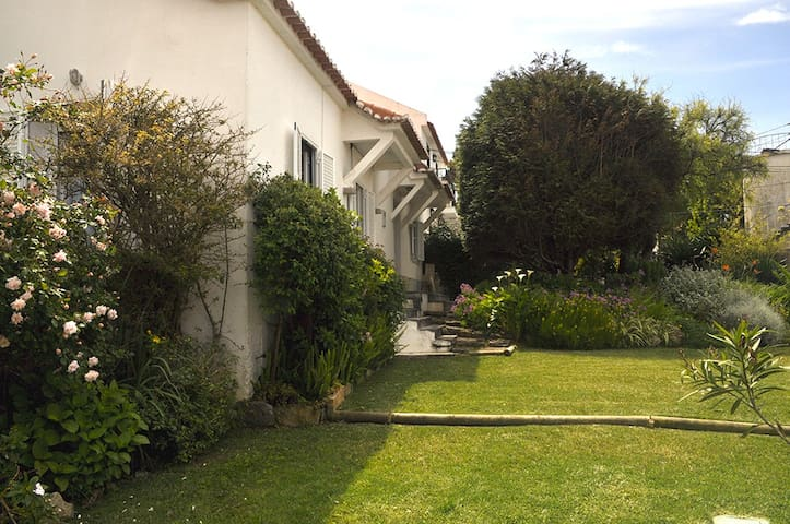 Almoçageme, Sintra (near the beach) - Colares - House
