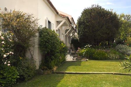 Almoçageme, Sintra (near the beach) - Colares