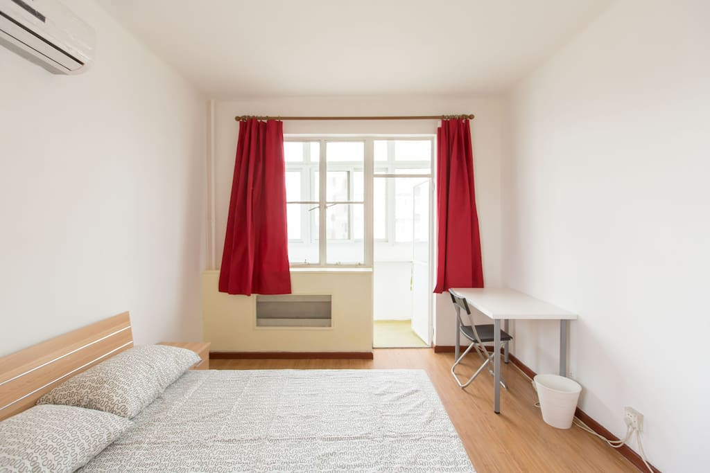 VERY spacious master bedroom with 1.5m*2m queen size bed, big closet, desk and a chair. There is also balcony with amazing view of the city