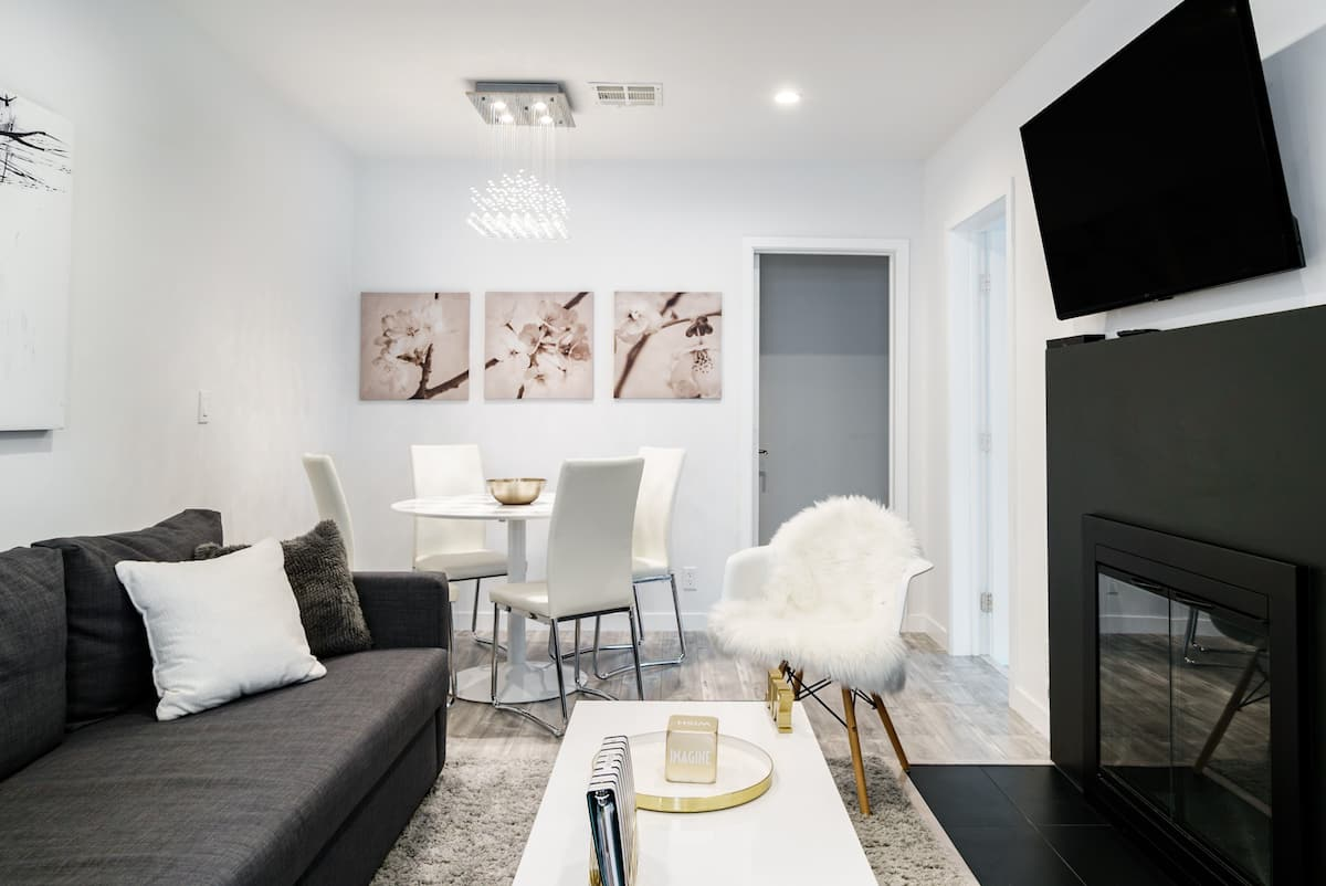 Stay in a Universal Studios Chic Home