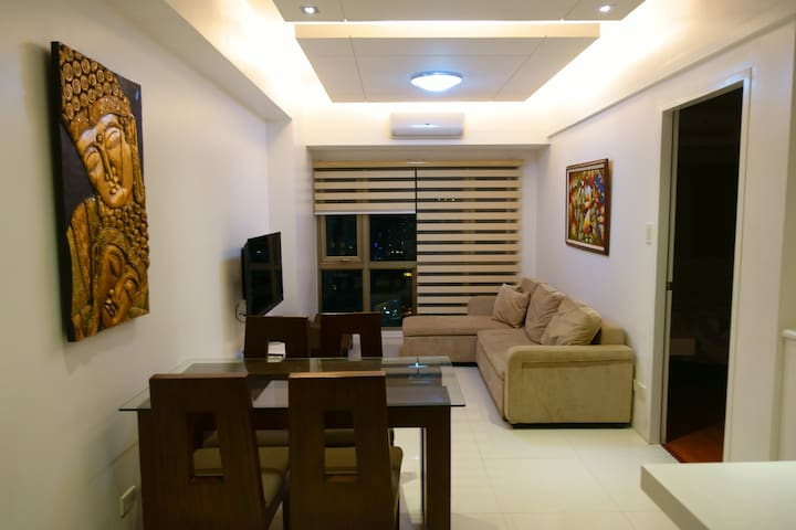 Elegant Condo @ Forbeswood Parklane - Taguig City - Apartemen