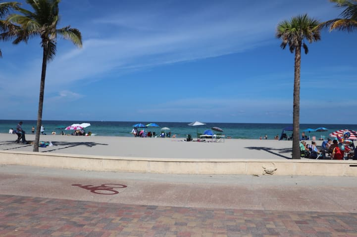 Beautiful Oceanfront Condo #31 at Hollywood Beach