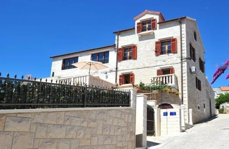 Luxury apartment - Sumartin - Haus