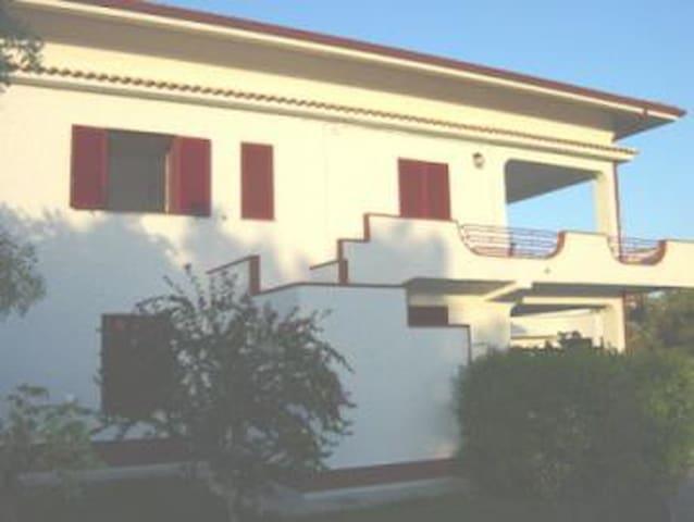 Affittasi appartamenti in villa. - Sena