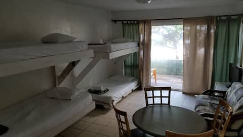 North Shore Beach Studio with 4 single beds