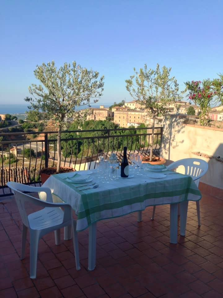 House with 2 bedrooms in Rossano, with wonderful sea view and furnished terrace - 3 km from the beach