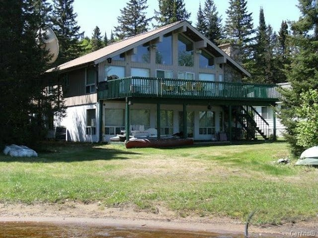 Comfortable Country Home 1 hour from Montreal