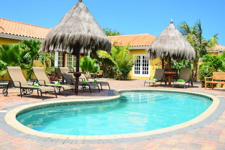 Aruba Tropic Studio Apartment 2 - Oranjestad