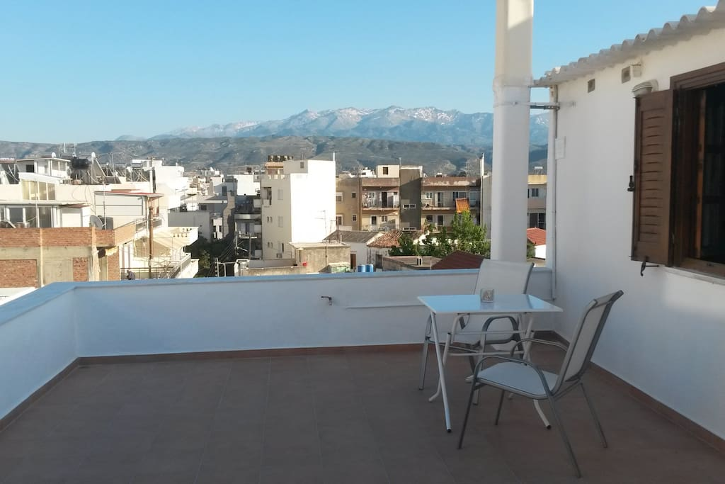 Terrace with view to Lefka Ori