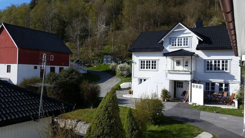 """Villa Ivagarden"" Beautiful Norwegain house"