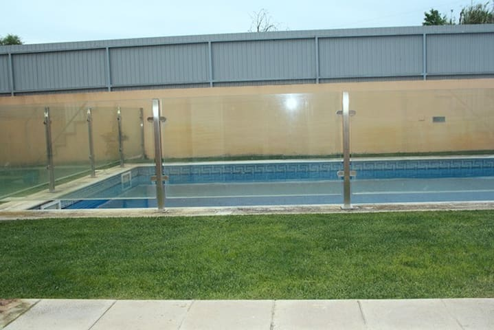 NEW IN VILLA WITH SWIMMING POOL - Carcavelos - Villa