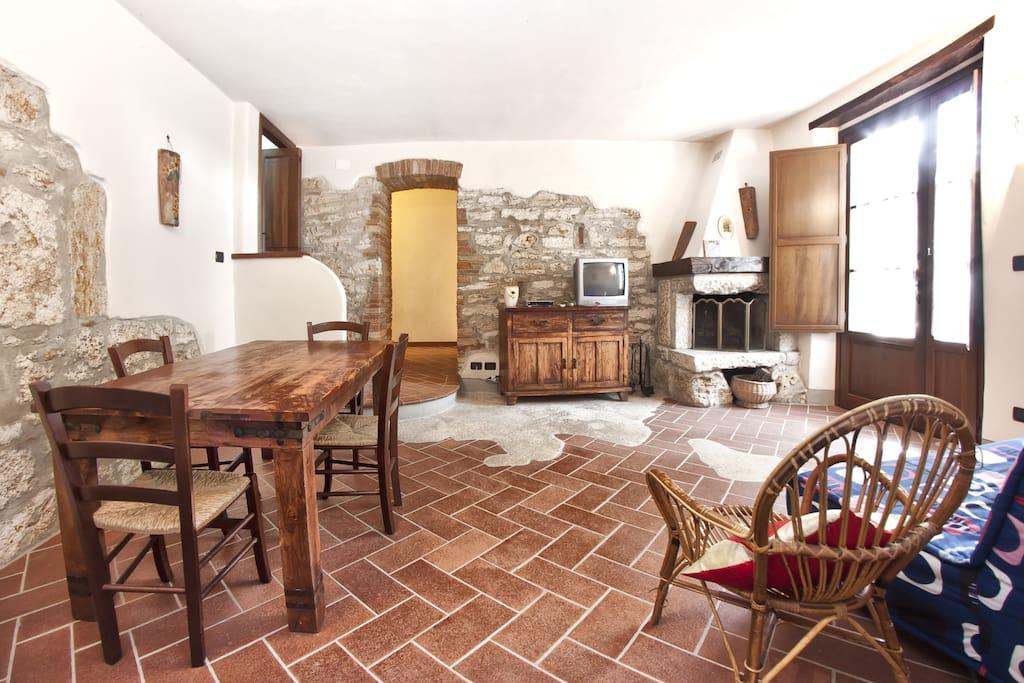 Tuscan holiday home with pool