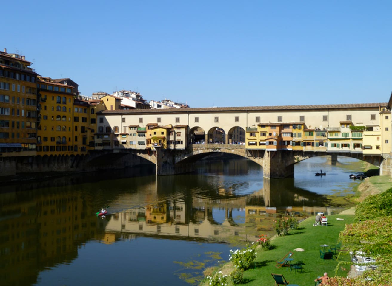 Apartment is steps away from the Pontevecchio, which is lovely day and night and has amazing jewelry stores.