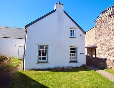 Traditional Welsh Cottage - Haverfordwest - Hus