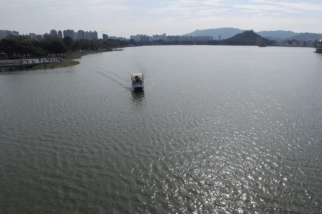Lotus Pond 蓮池潭