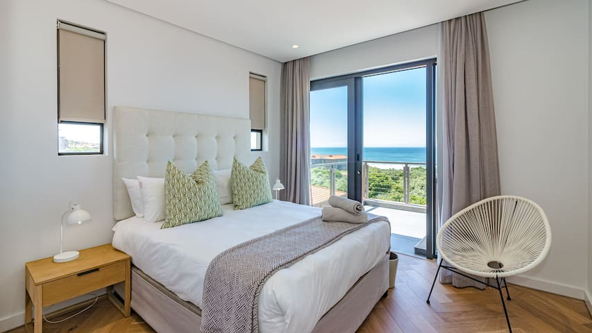 Bedroom three with balcony onto magnifient ocean views