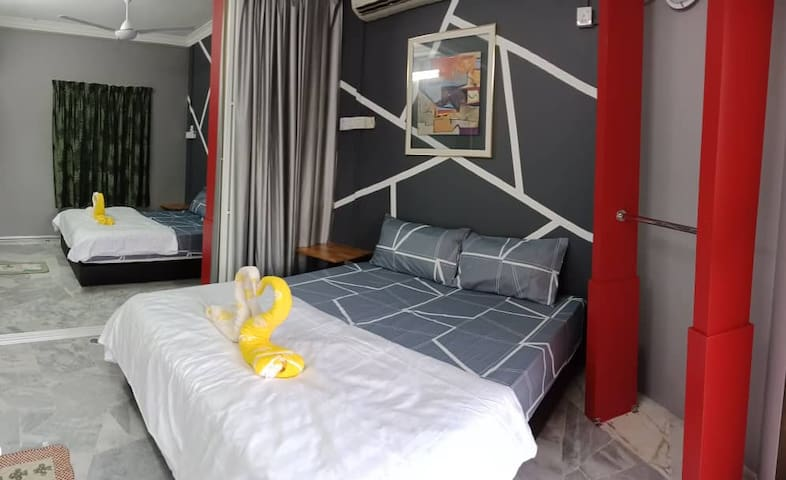 Connecting room for 4pax! 5 min to Pyramid&Lagoon