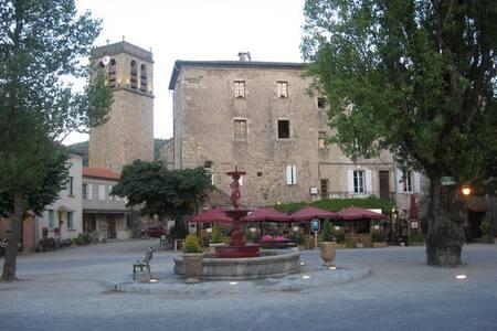 Maison au coeur du village. - Antraigues-sur-Volane - House - 2