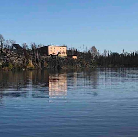 Melgurd Lake - Fishing Cabin - Fly in only