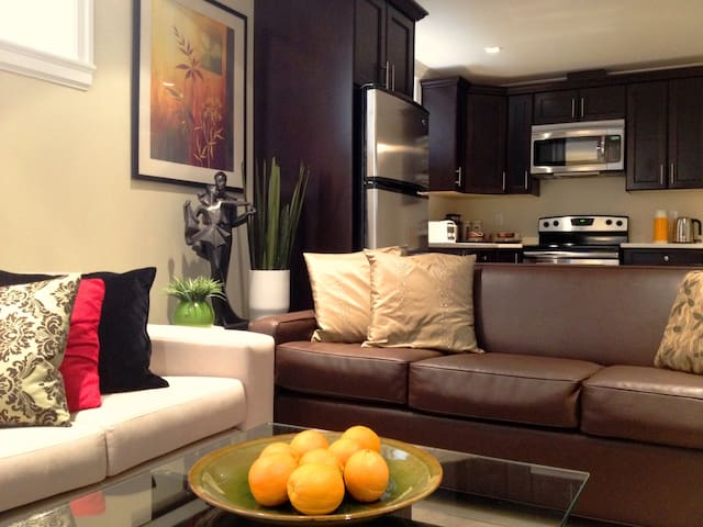 New 2 Bdrm Home in Beautiful Kits! - Vancouver - House