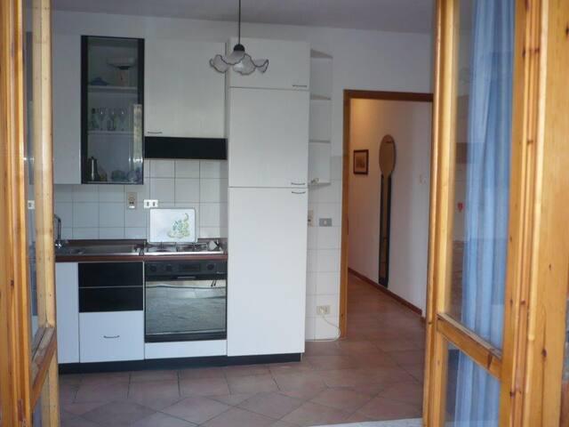 bilocale ristrutturato e arredato - Dolcedo - Apartamento